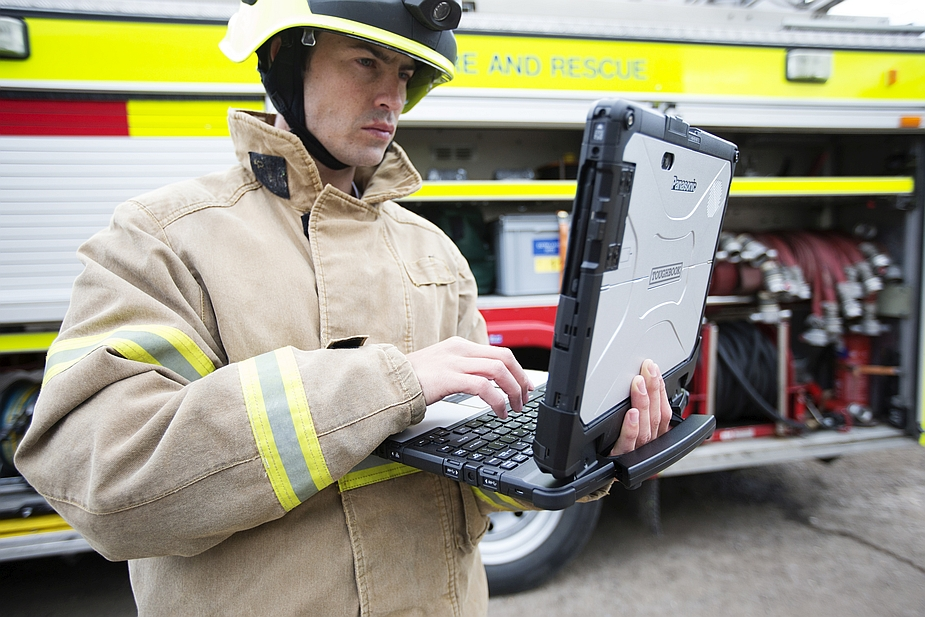 Panasonic Toughbook CF-33 2-in-1 Detachable and Fire and Rescue