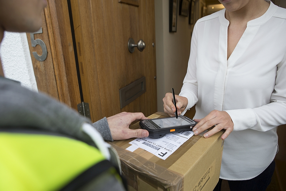Panasonic Toughpad FZ-F1/N1 and Parcel Delivery